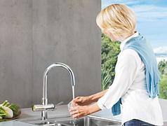 Küchenarmatur Wird Zur Hauseigenen Quelle