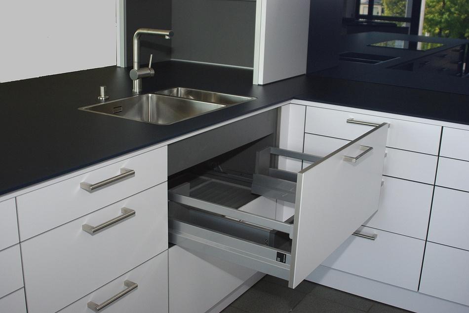 arbeitsplatte schwarz matt pe46 hitoiro. Black Bedroom Furniture Sets. Home Design Ideas